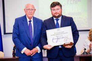 Jose Manuel Prieto Reina recibe el premio AEMO a la Mejor Almazara de España 2018.